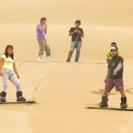 Sandboarding en las Dunas de Lima