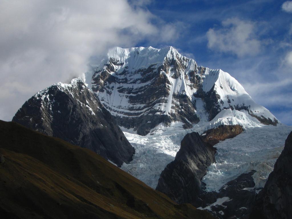 Montaña Siula Grande