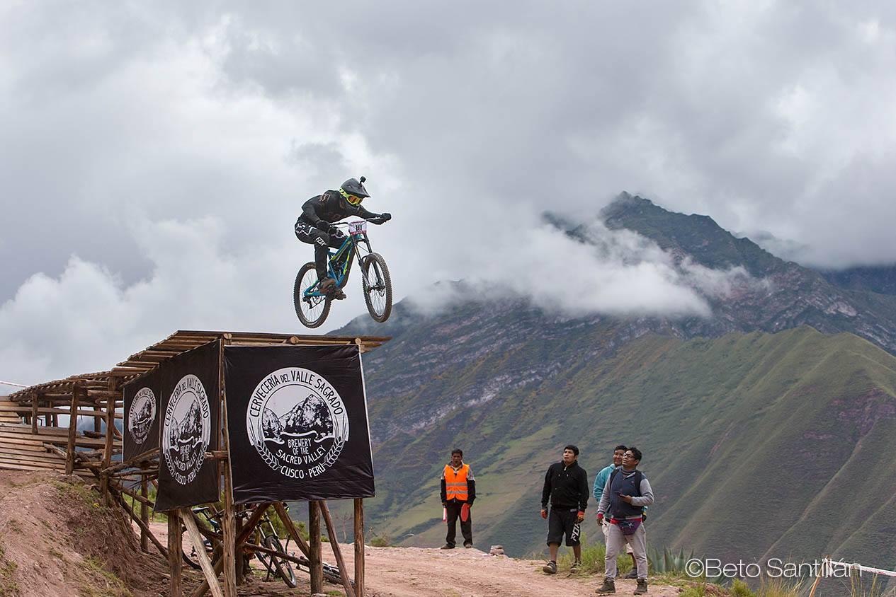 Alejandro Paz, segundo - Santísimo Downhill