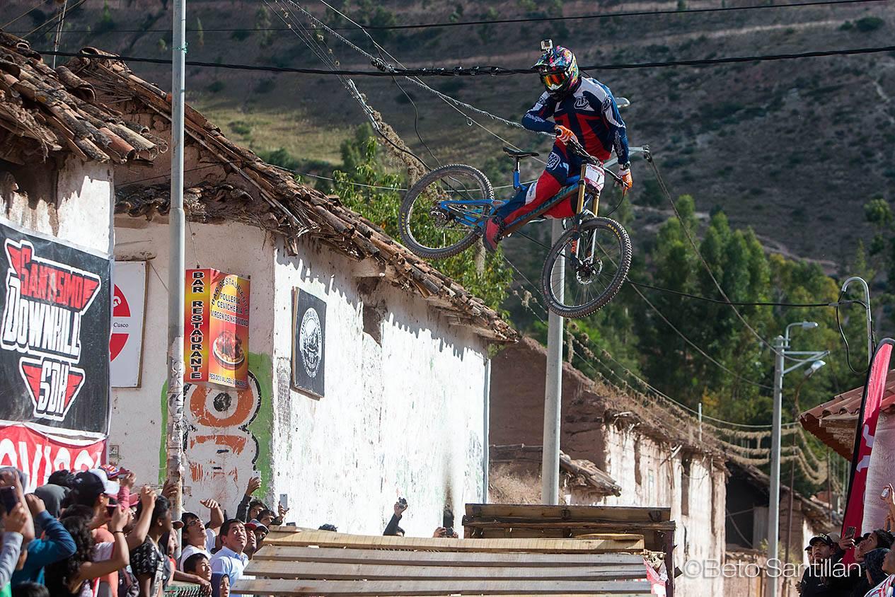 Sebastian Alfaro, tercero - Santísimo Downhill